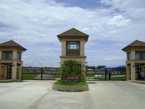 bellevue entrance gate