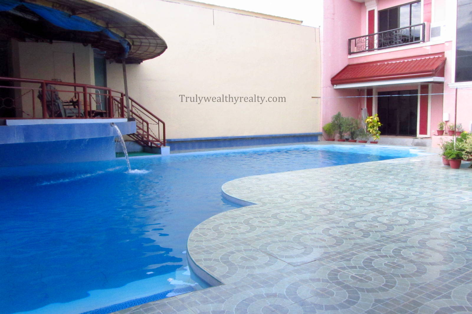 Carmen 4 bedroom house with swimming pool truly wealthy for Four bedroom house with pool